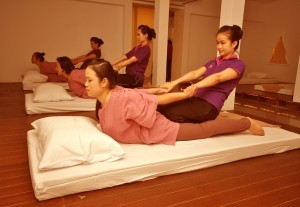 thai-massage-saloon-11-300x207