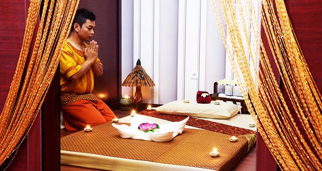 Массажист молится доктору Шиваго (Живаго)