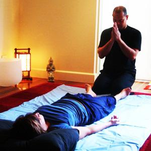 Мастер тайского массажа